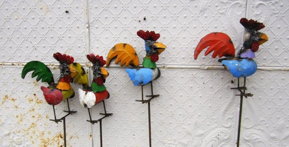Recycled metal rooster garden stake lawn ornament yard for Recycled yard decorations