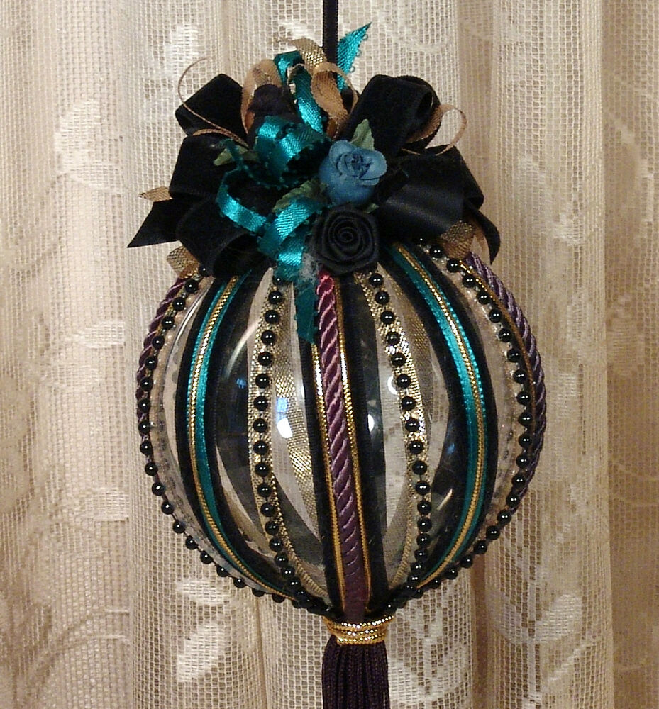 Decorated Christmas Balls: Black Victorian Hanging Christmas Ornament / Vintage Style