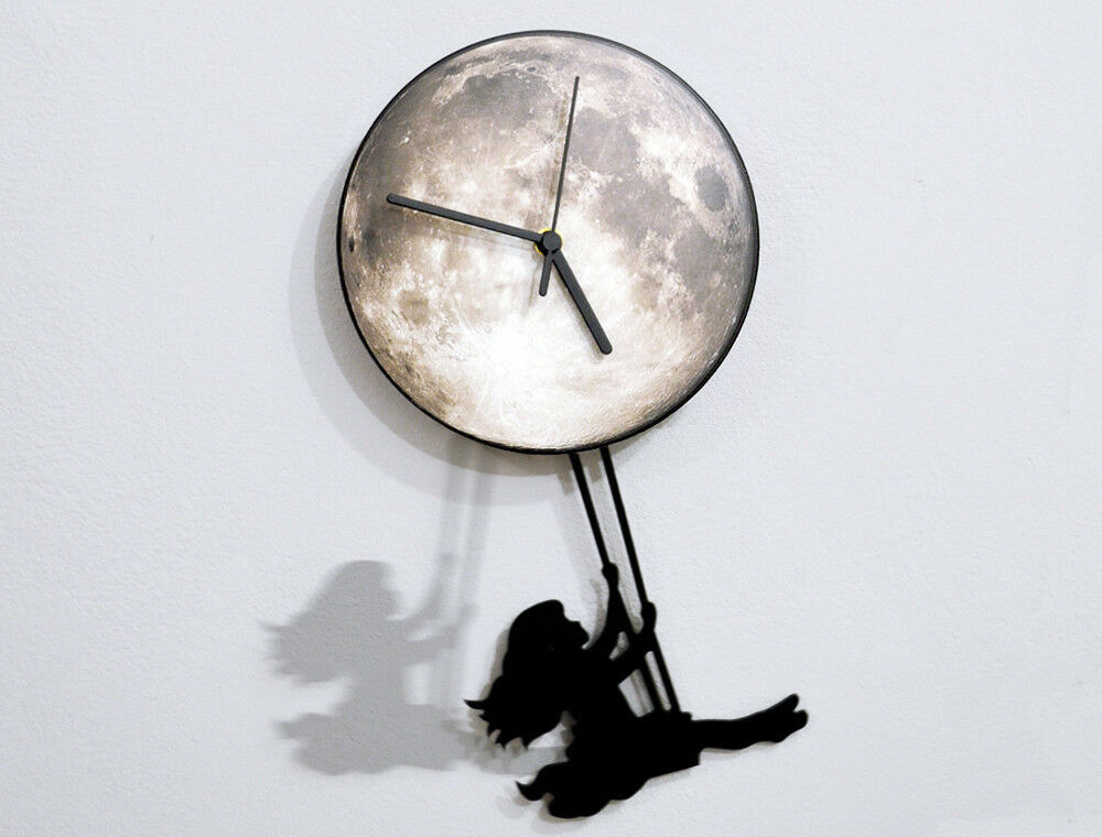 The Clock with swinging boy and girl meilleure