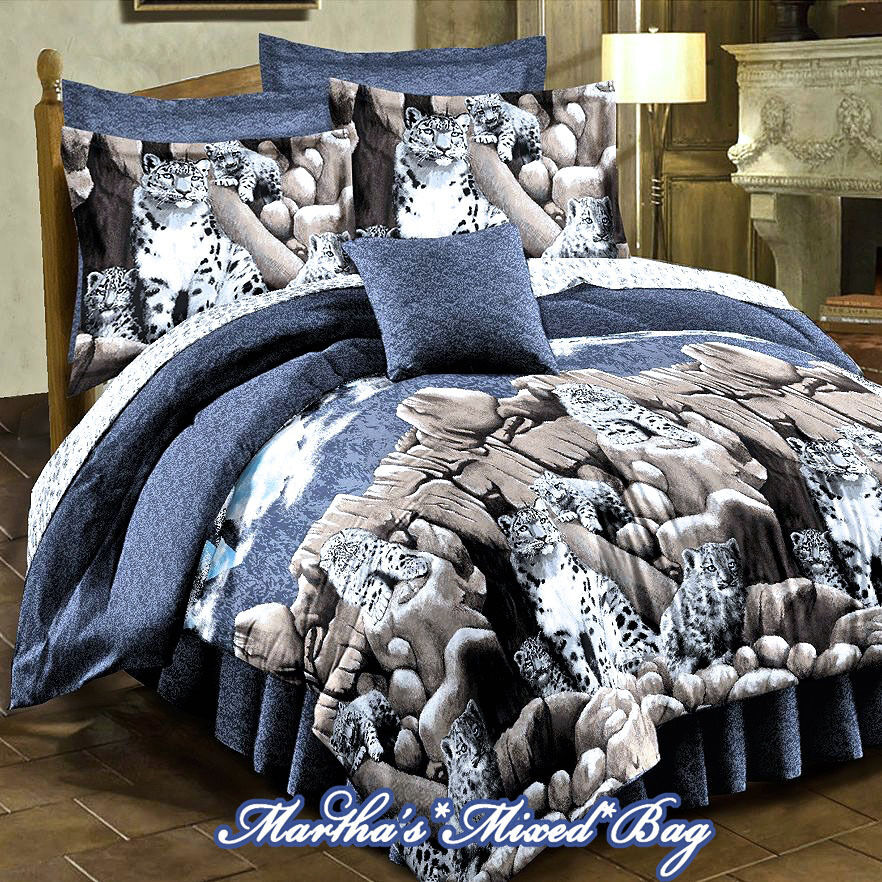 Snow Leopard Gray Jungle Wild Cat Wildlife Cabin Comforter