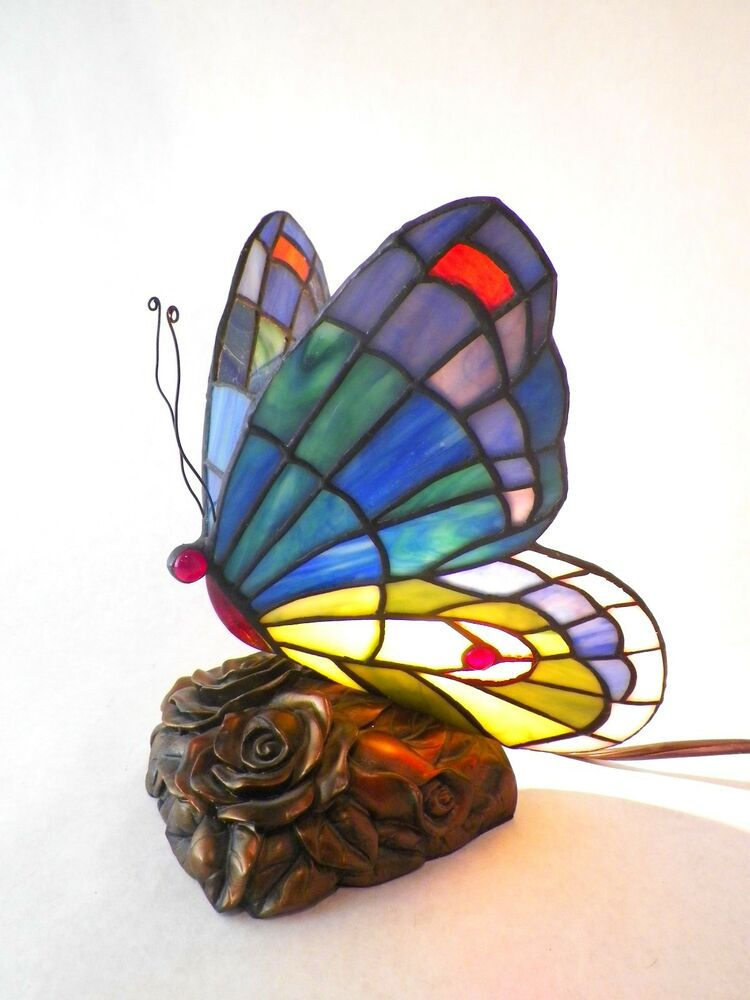 quoizel tiffany stained glass butterfly desk table lamp light tf6597r. Black Bedroom Furniture Sets. Home Design Ideas