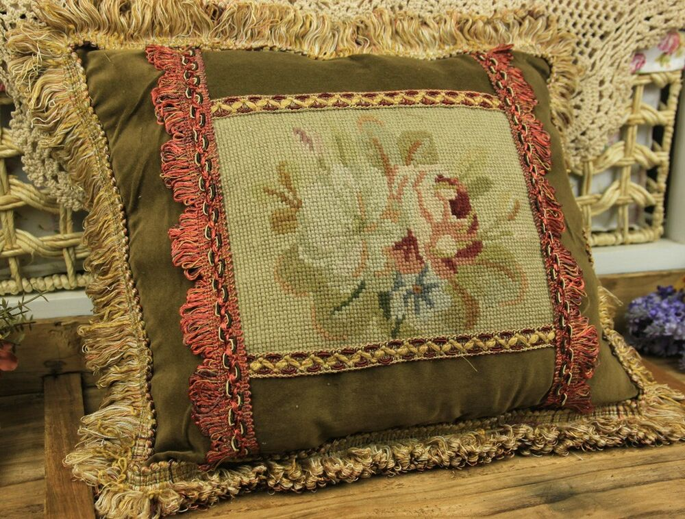 Vintage Decorative Throw Pillows : 15