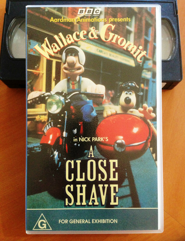 A Close Up Of A 14 Year Old Boy Covered In Snow Stock: WALLACE & GROMIT - A CLOSE SHAVE - VHS