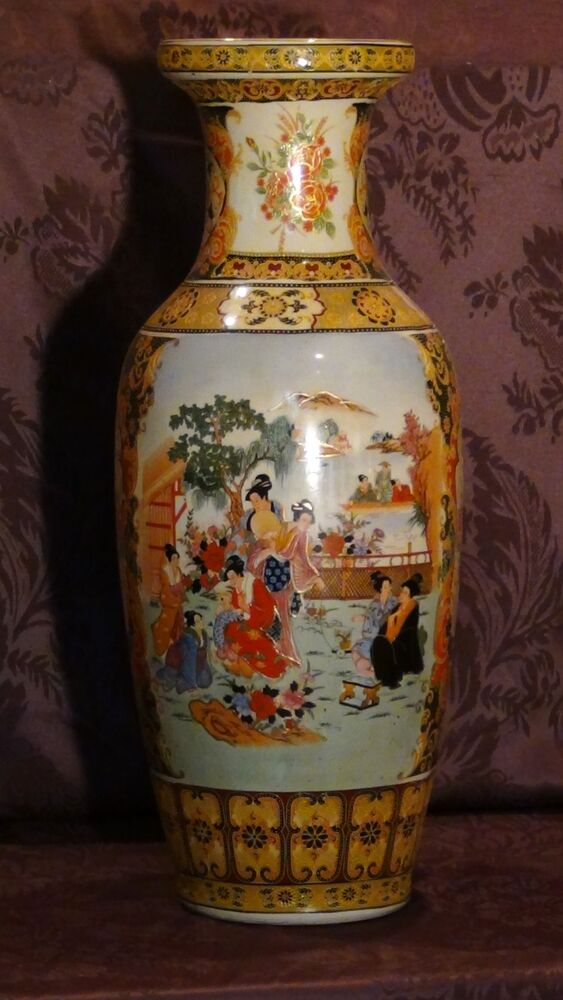 Antique Chinese Large Porcelain Hand Painted Medalions With Court Scene Vase Ebay
