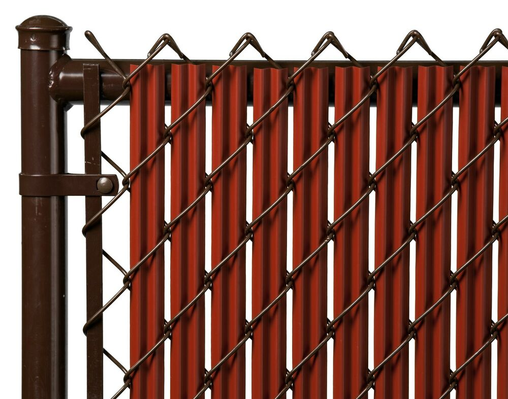 Chain Link Redwood Single Wall Ridged Privacy Slat For 4