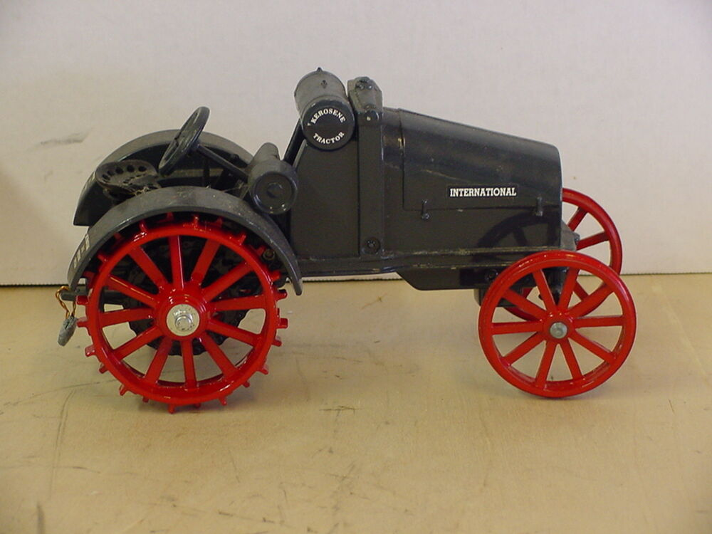 16 Wheel Tractor : International kerosene steel wheels tractor