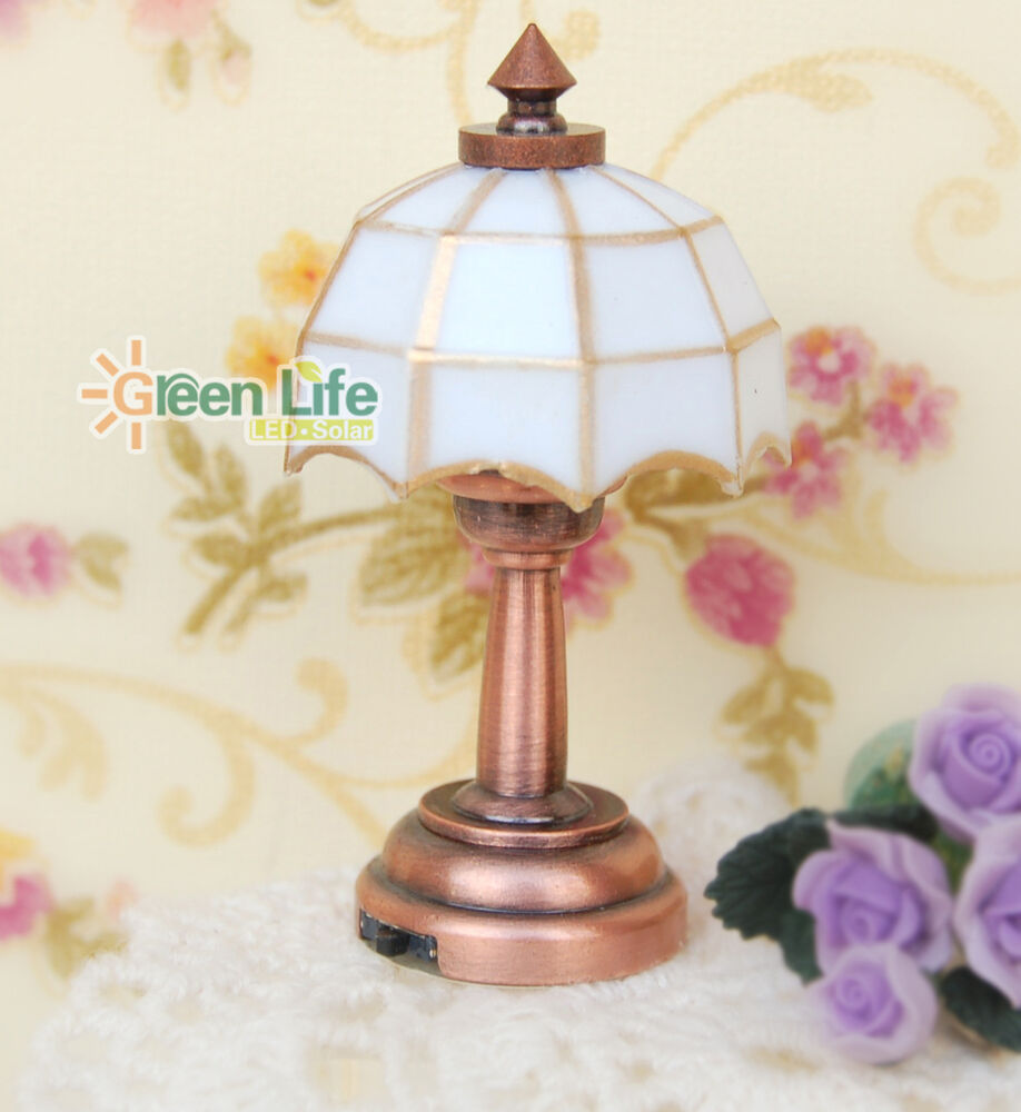 Battery Dollhouse Lights Uk: 1/12 Scale Dollhouse Miniature Battery Operated Table Lamp