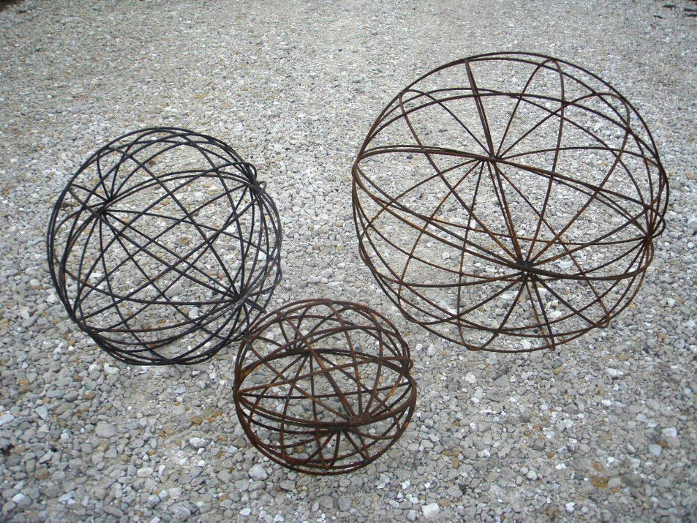 24 garden metal yard art balls trellis or topiary for for Wire yard art