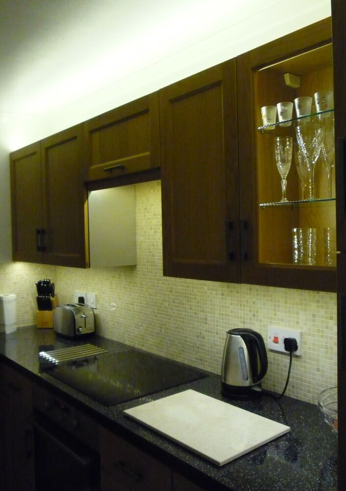 Kitchen under unit pelmet plinth display cabinet energy for Kitchen units without plinths