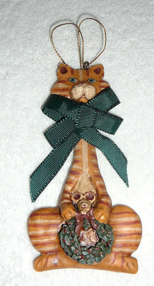 Kurt adler ornament cat mouse with a wreath christmas for Cat christmas ornaments craft