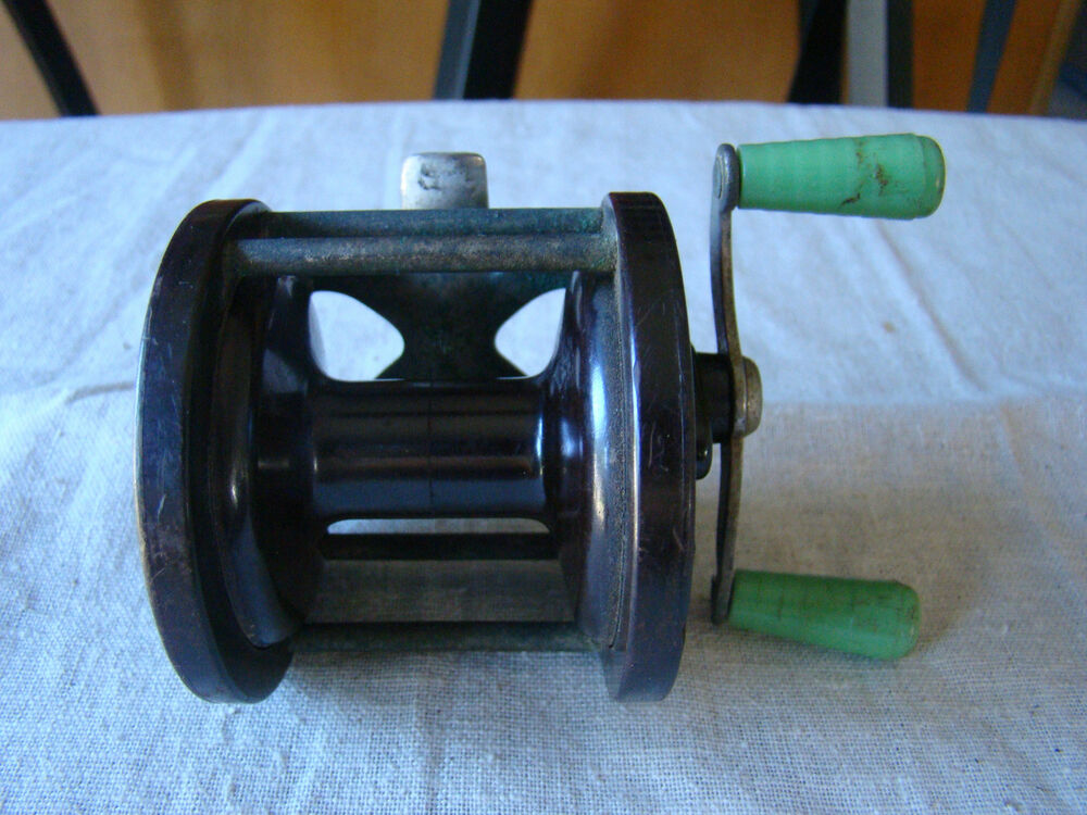 Vintage penn no 77 fishing reel made in the usa 351524 r for American made fishing reels