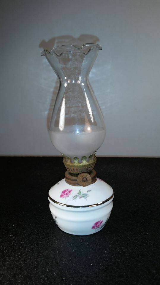 Vintage Small Hand Painted Oil Lamp With Chimney Roses