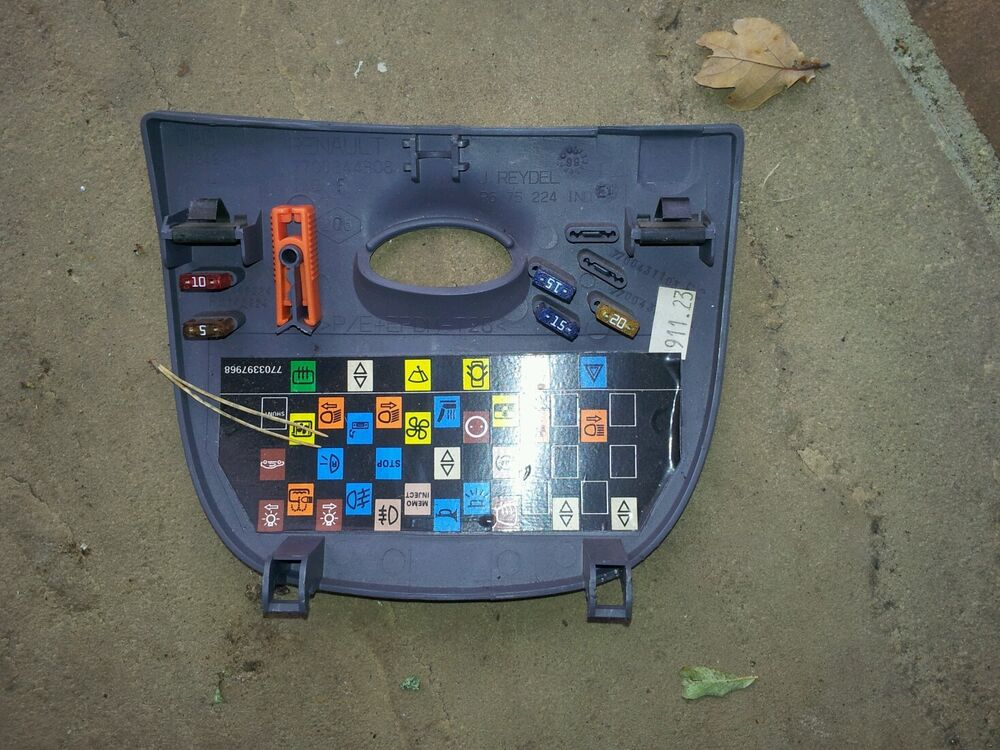Fuse Box Cover 1999 Renault Megane Coupe