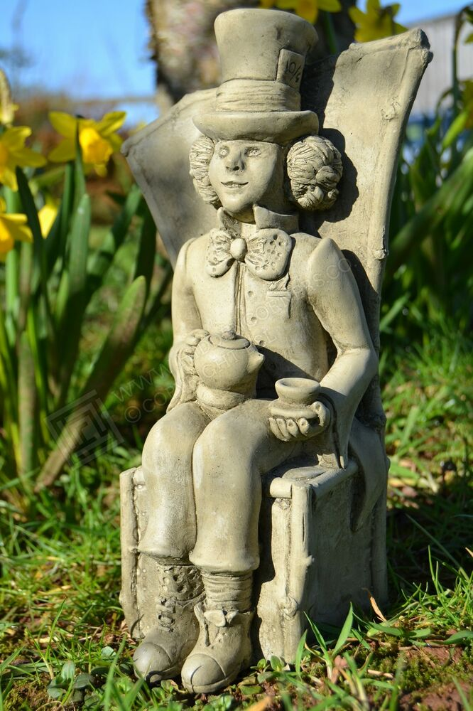alice 39 s adventures in wonderland mad hatter garden ornament sculpture stone ebay. Black Bedroom Furniture Sets. Home Design Ideas