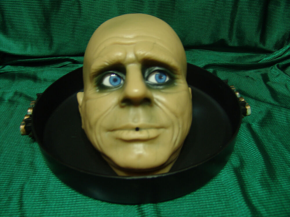 Animated Moaning Butler Head In Tray Halloween Display