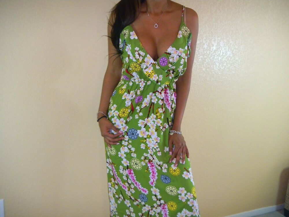 Sexy Green White Feminine Floral Ruffle Low Cut Cleavage