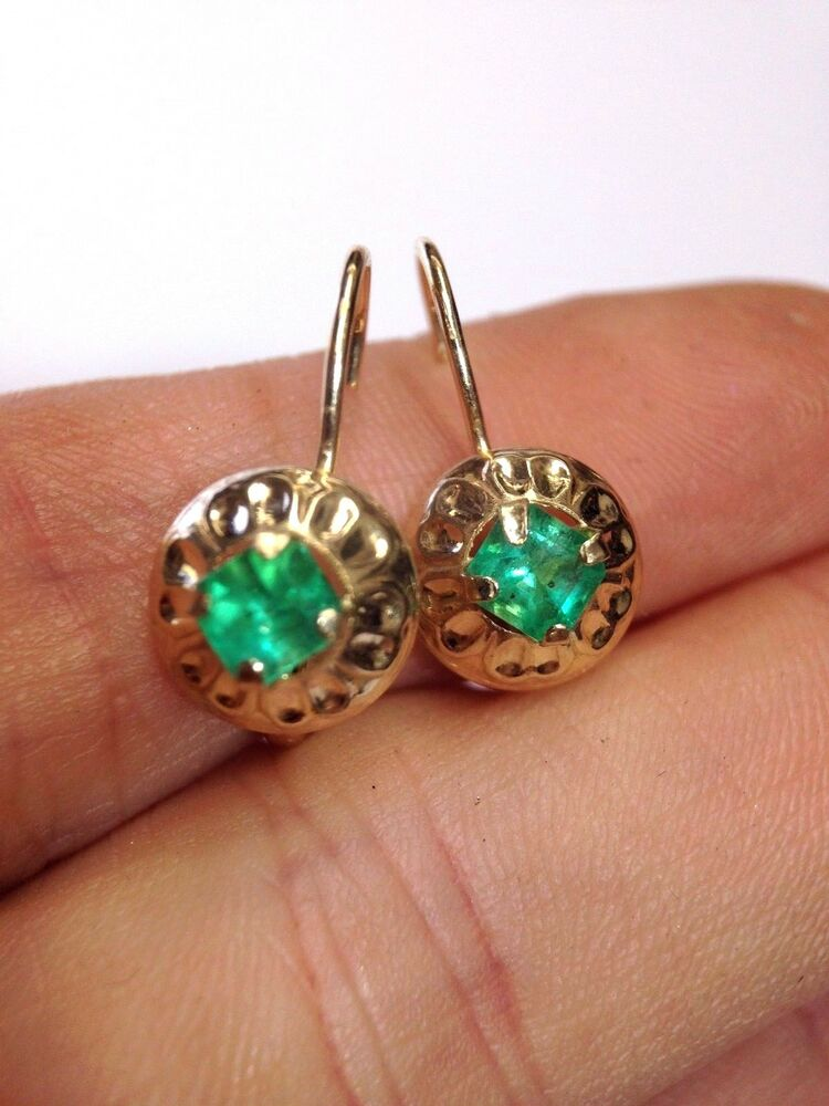 14k yellow gold natural colombian emerald leverback hook