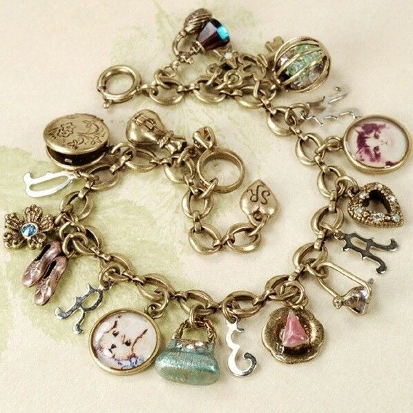 NEW Vintage Style Sweet Romance Dream Charm Bracelet