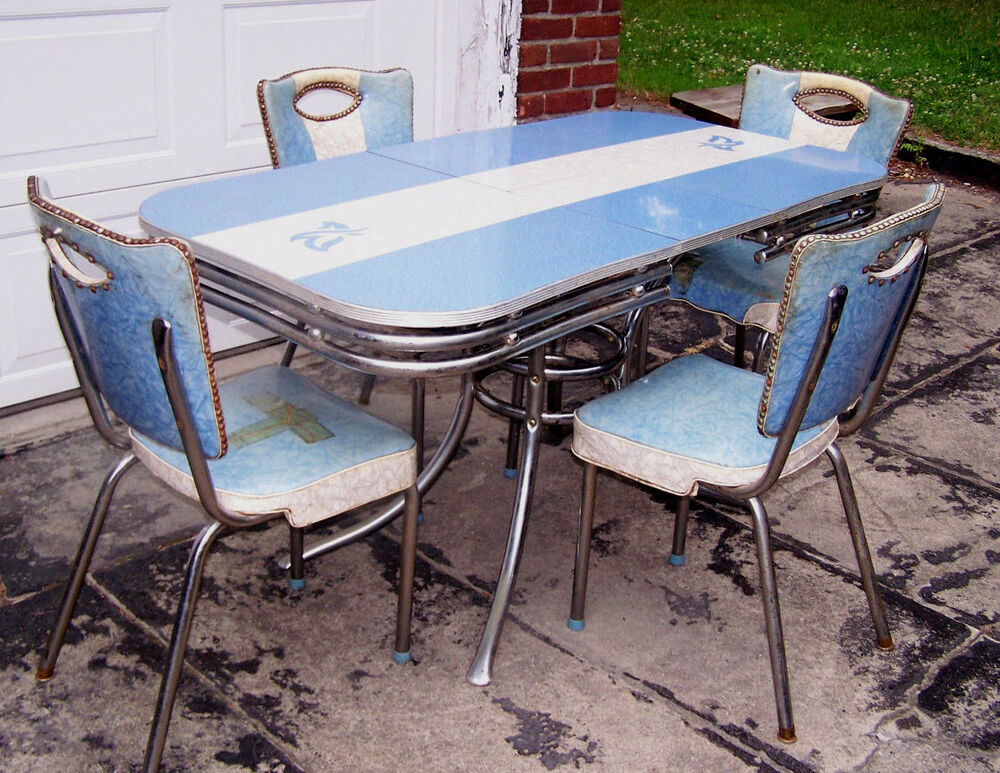 unique vintage formica table blue w 4 vintage chairs in blue 1950 39 s vguc ebay. Black Bedroom Furniture Sets. Home Design Ideas