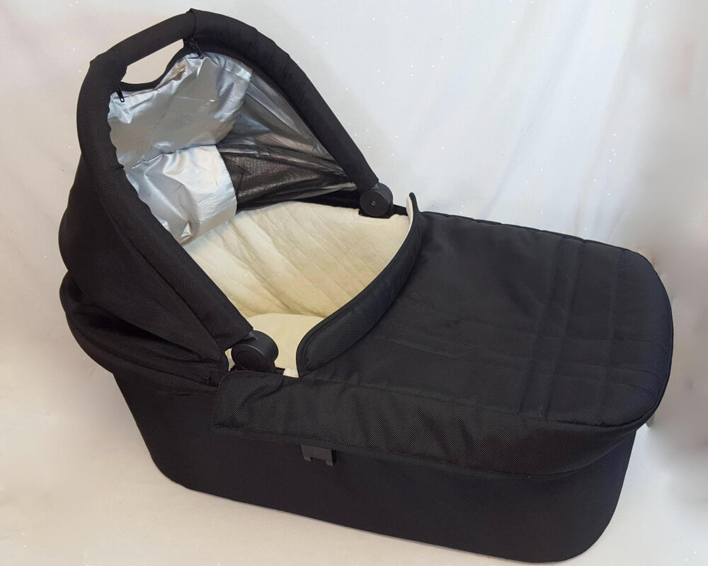 Uppababy Universal Baby Bassinet W Mattress Cover 2
