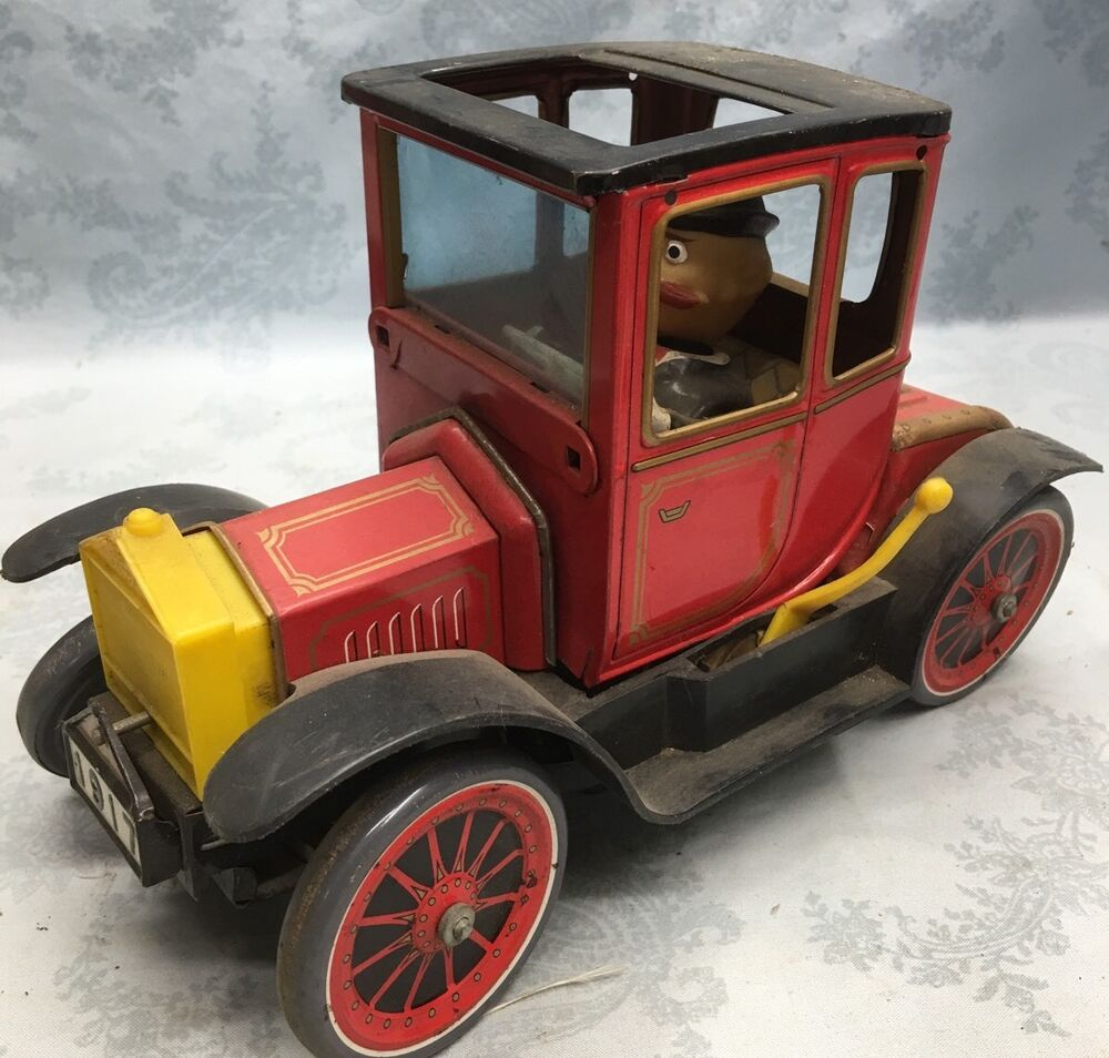 Vintage TN NOMURA 1917 Ford Model T W/driver Battery