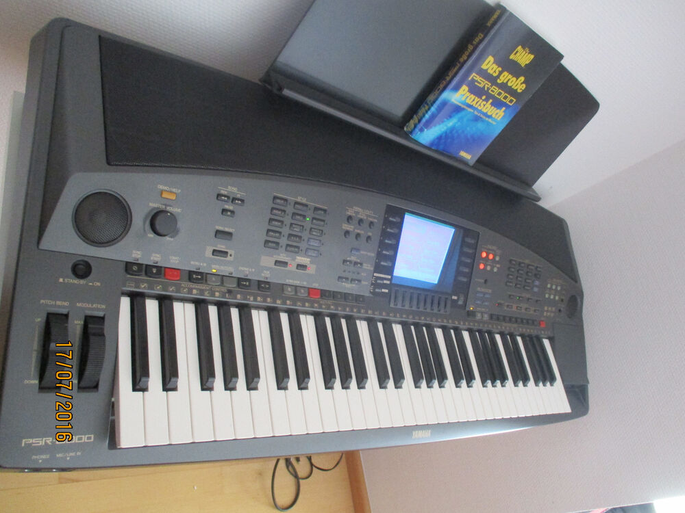 yamaha psr 8000 keyboard gebraucht mit st nder ebay. Black Bedroom Furniture Sets. Home Design Ideas