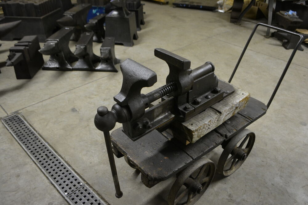 Rare 6 inch peter wright bench vise w jaws like a post vise blacksmith anvil ebay 6 inch bench vise