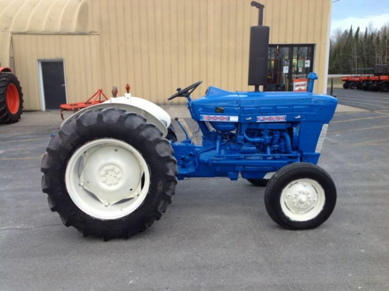 69 Ford 3000 Tractor : Best ford tractor  model to repair