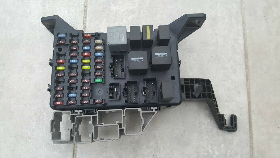 Fuse Box Layout Mondeo Mk3 : Ford mondeo mk  fuse box with fuses s t