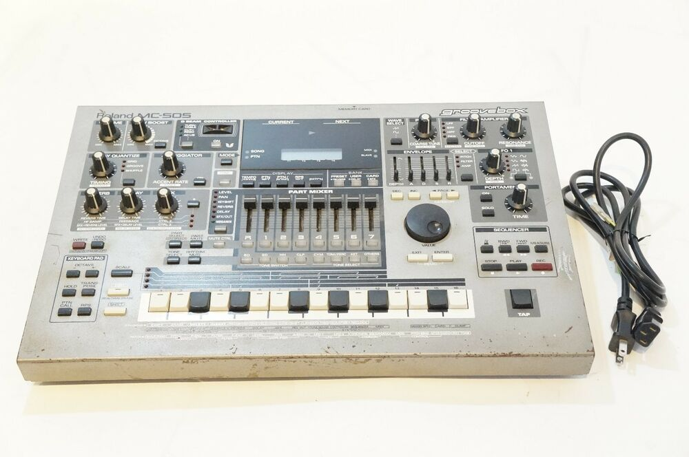 roland mc 505 groovebox synthesizer drum machine sequencer world ship ebay. Black Bedroom Furniture Sets. Home Design Ideas