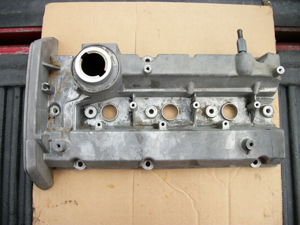 Engine Valve Cover Fits 02