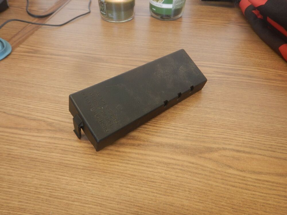 jeep wrangler yj 4/6cyl engine fuse box cover power ... 1990 jeep wrangler fuse box wrangler fuse box #10