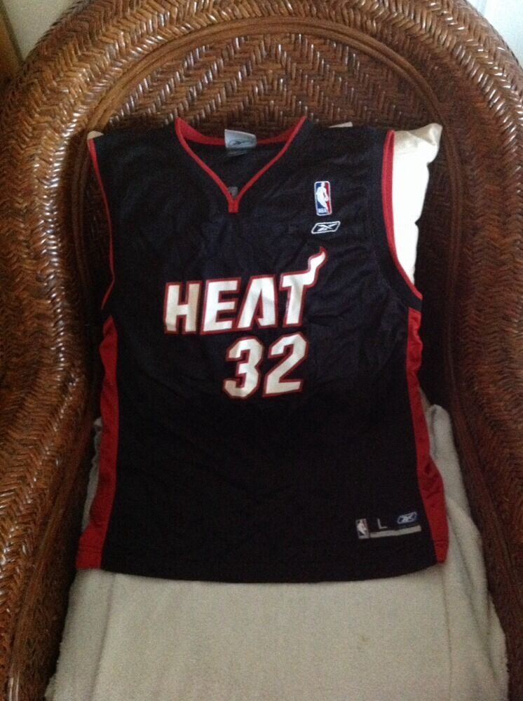 Miami Heat Chaquille O neal  32 Basketball Reebok jersey Size L YOUTH 14-16   d3cff0a10