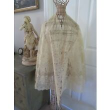EXQUISITE ANTIQUE VICTORIAN FRENCH CHANTILLY BLONDE LACE  SHAWL /CAPE
