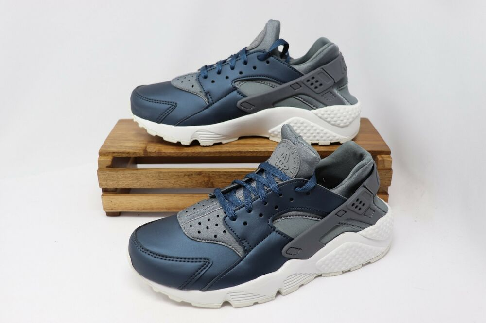 buy online ba531 efe41 Details about Nike Women s Huarache Run PRM TXT Shoes Armour Navy Gray  White AA0523-001 NEW