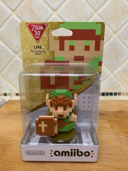 Nintendo Amiibo 8-bit Link The Legend of Zelda Character Figure