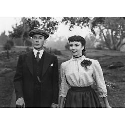 Jennifer Jones and Charles Boyer UNSIGNED 10'' x 8'' photo - P4655 - Cluny Brown