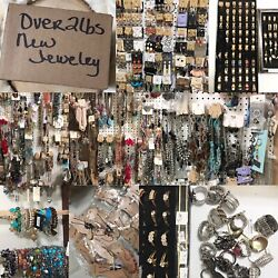 Kyпить OVER 2 LBS BOX OF JEWELRY FOR RESALE WEAR GIFTS SOME WITH TAGS RETAIL NEW!!! на еВаy.соm