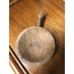 Kyпить 1800's Hand Carved Wooden Serving Bowl With Handle- AAFA на еВаy.соm