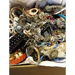 Kyпить Vintage to modern Jewelry for craft untested/unsorted Estate Find 20 LBS на еВаy.соm