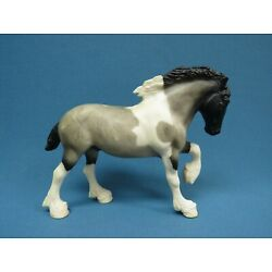 Kyпить BREYER PADDOCK PALS #1638 Blue Roan Spotted Drafter Clydesdale Mold на еВаy.соm