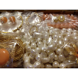 Kyпить Vintage to Now Jewelry Peach/Faux Pearls/Rhinestones/Gold tones All Wearable на еВаy.соm