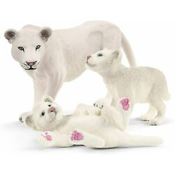 Schleich Wild Life - Lion Mother With Cubs