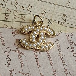 Chanel Gold Pearl Zipper Pull Stamped Auth 22 mm