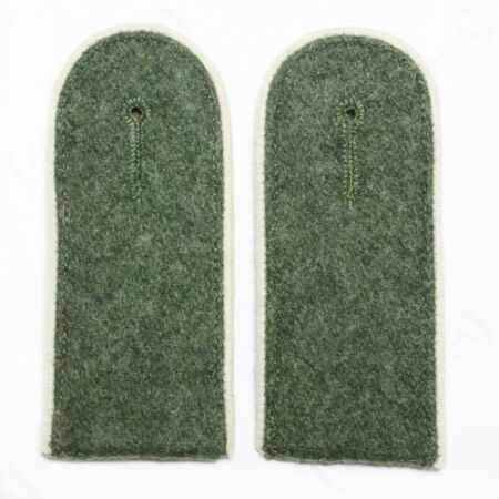 img-Infantry EM Shoulder Boards Field Grey - White Piped - WW2 Repro German Badge