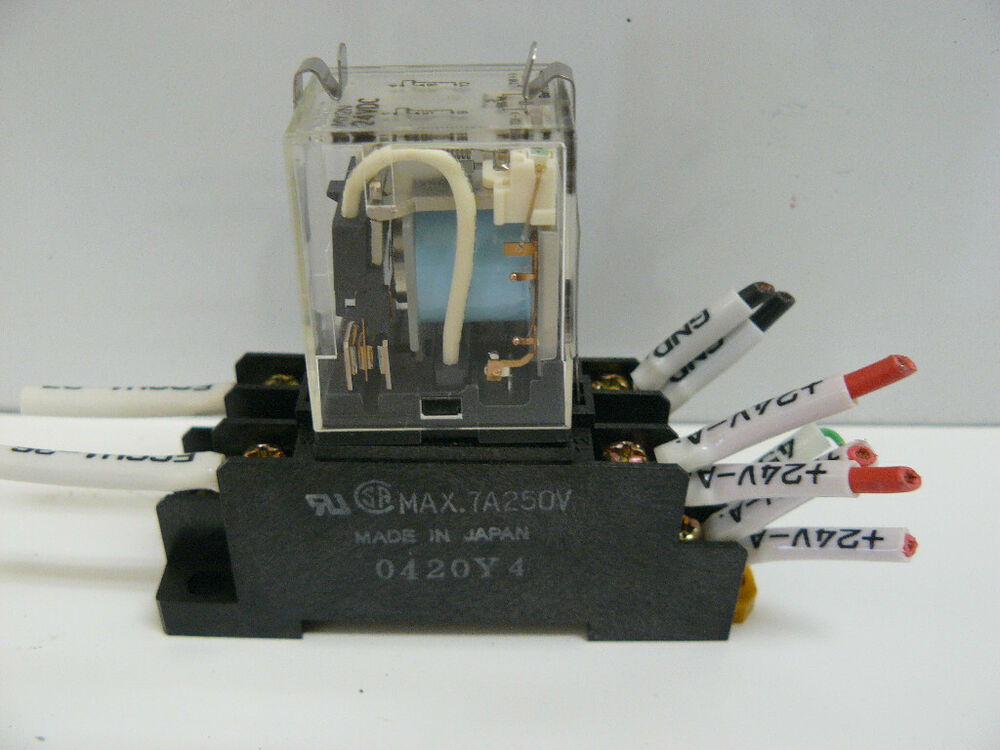 Omron My2n 24vdc Relay With Socket