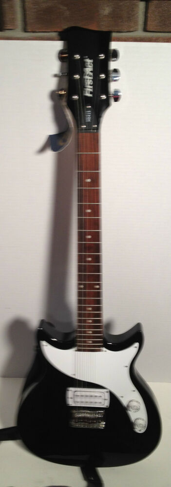 first act me415 electric guitar and stagg 10ga amplifier ebay. Black Bedroom Furniture Sets. Home Design Ideas