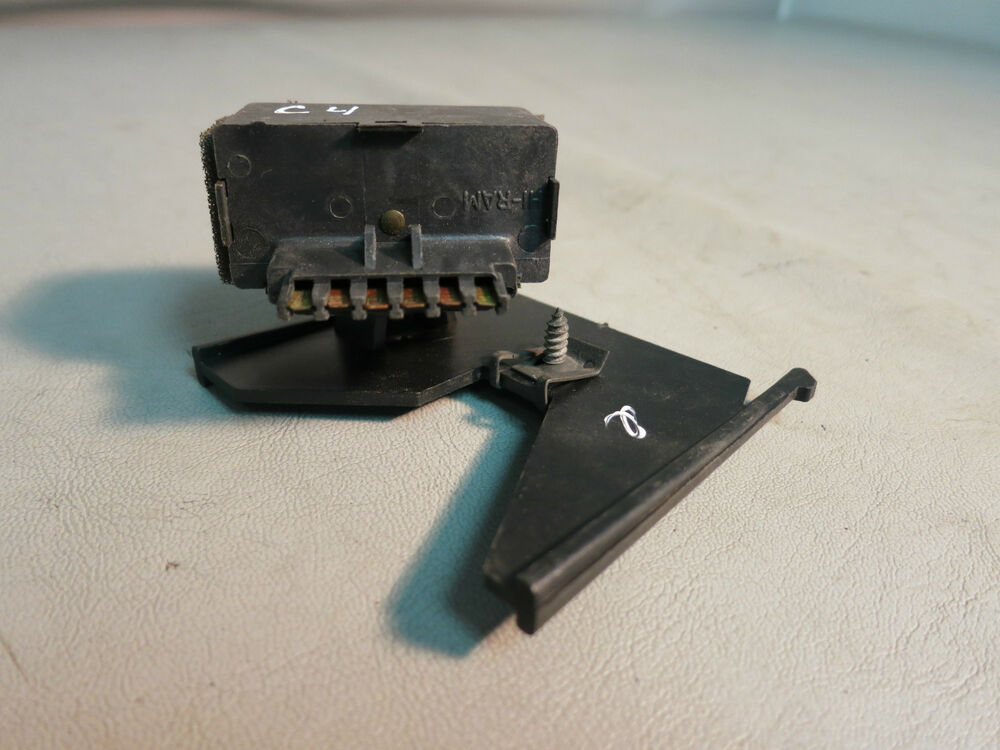 Plastic Horn Relay Mounting Bracket W Relay For 1984