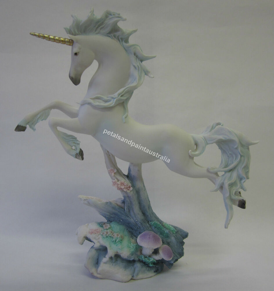 28cm Resin Unicorn Leaping Ornament Makes A Great Cake