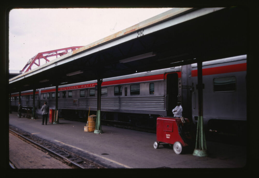 1969 southern pacific sp passenger cars station orig 35mm railroad slide ebay. Black Bedroom Furniture Sets. Home Design Ideas